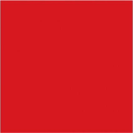 Červená saténová plachta